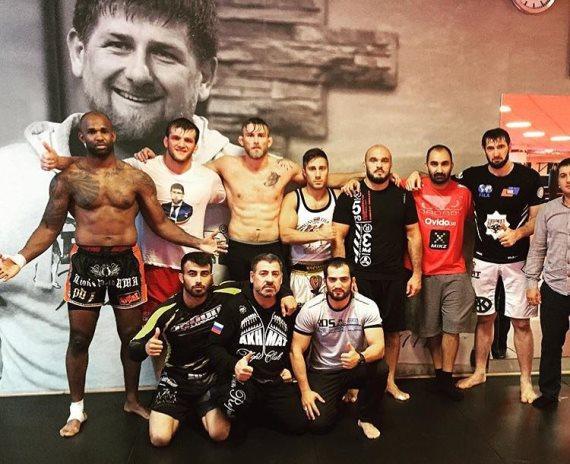 Джими Манува, Александр Густафссон и Илир Латифи в Akhmat Fight Club