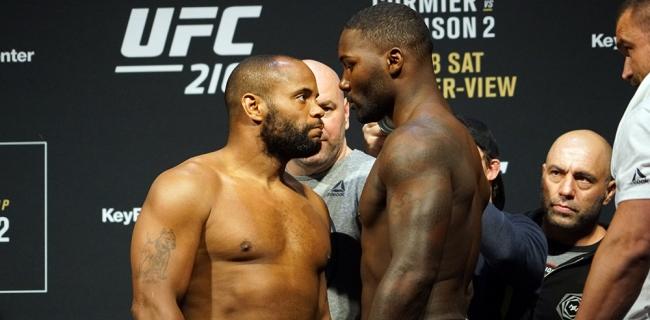 Текстовая трансляция UFC 210: Cormier vs. Johnson 2