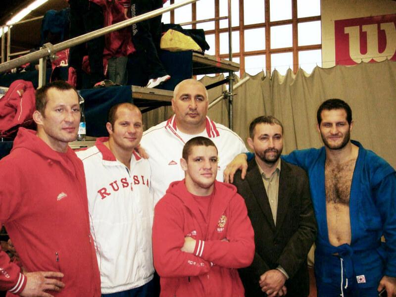 Александр Гаркушенко (слева), Федор Емельяненко