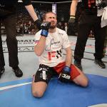 Али Багаутинов после окончания боя с Тимом Эллиоттом