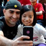 Рикардо Ламас - селфи с победительницей