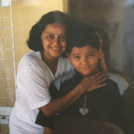 Тиаго Алвес с матерью