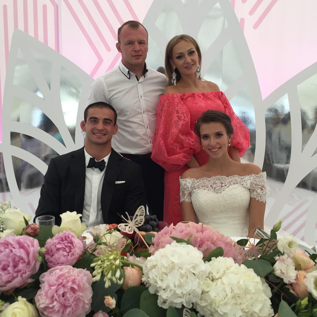 Александр Шлеменко и Андрей Корешков с супругами