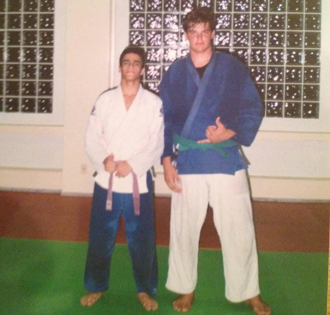 Тиаго Таварес (слева)