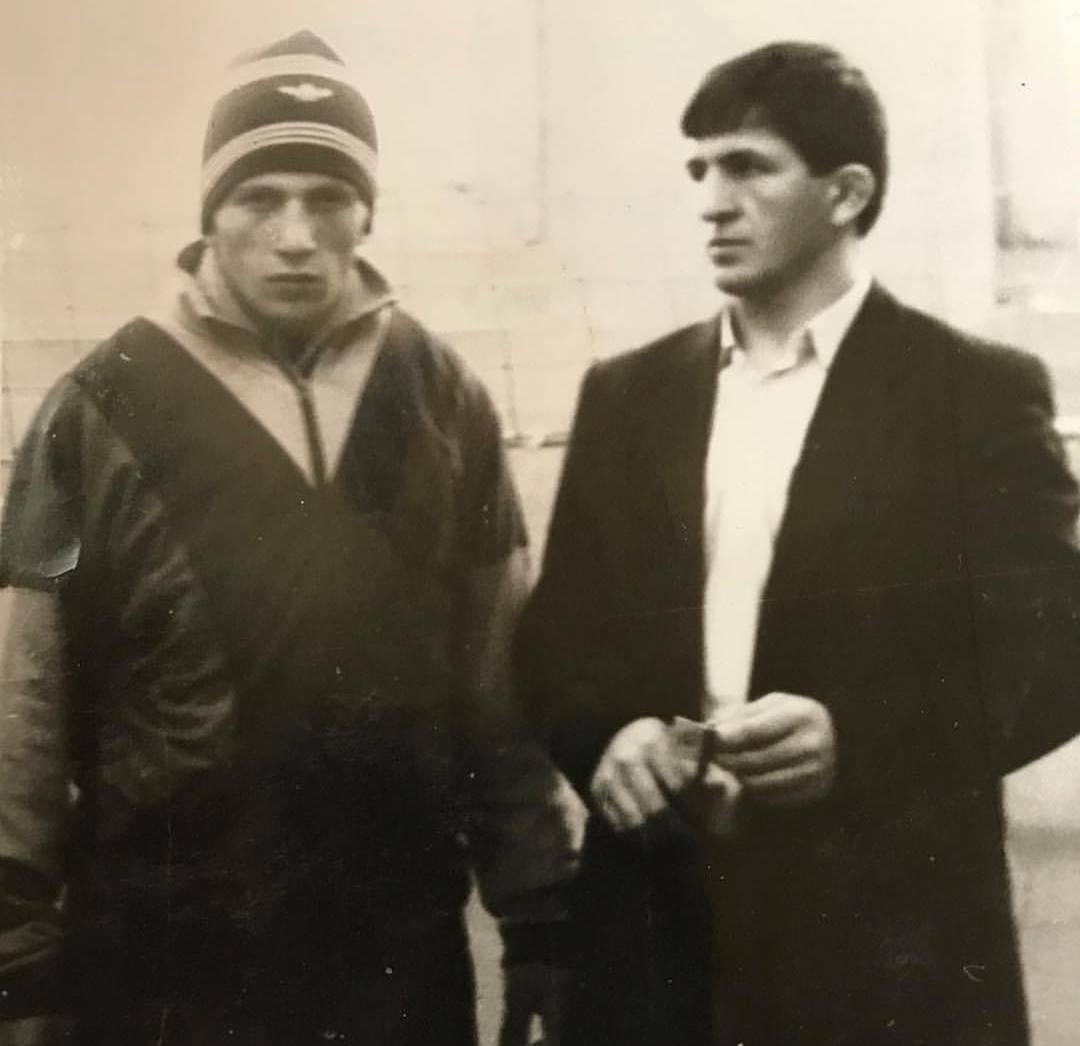 Абдулманап Нурмагомедов (справа)